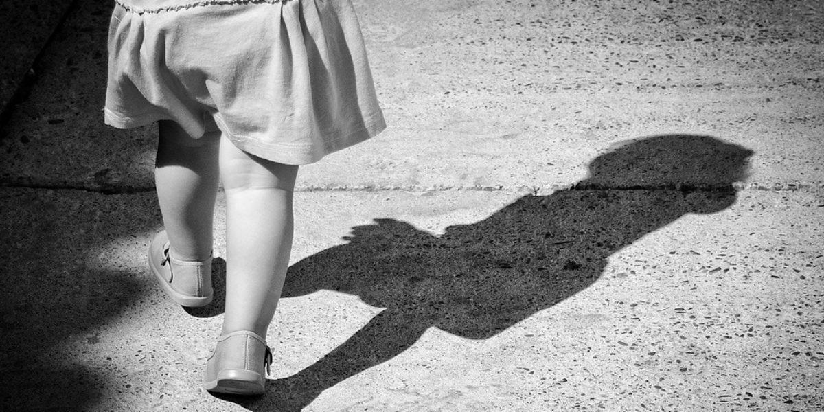 bébé et les chaussures : une passion partagée avec maman