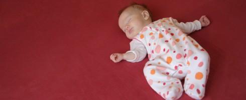 Quand faut il passer bébé dans un grand lit ?
