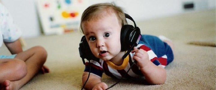 bébé et la découverte de la culture