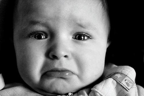 http://www.je-suis-papa.com/wp-content/uploads/2013/05/bebe-triste-frustration.jpg