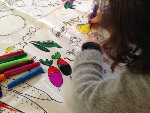 Nappe à colorier pour enfants Marielle Bazard