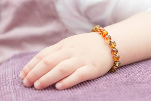 collier d'ambre, bracelet d'ambre contre les poussées dentaires