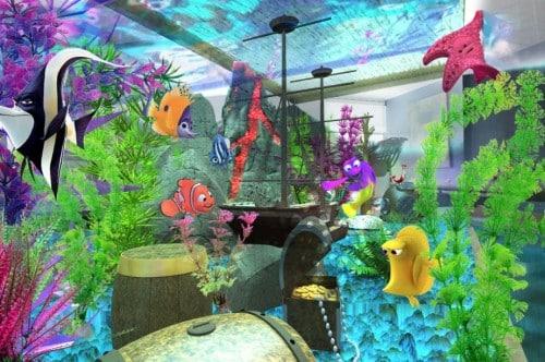 intérieur de l'aquarium de nemo