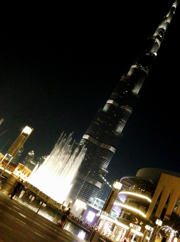 activités à faire avec des enfants à Dubaï : visiter la tour Burj Khalifa