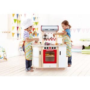 cuisine en bois pour enfants Hape