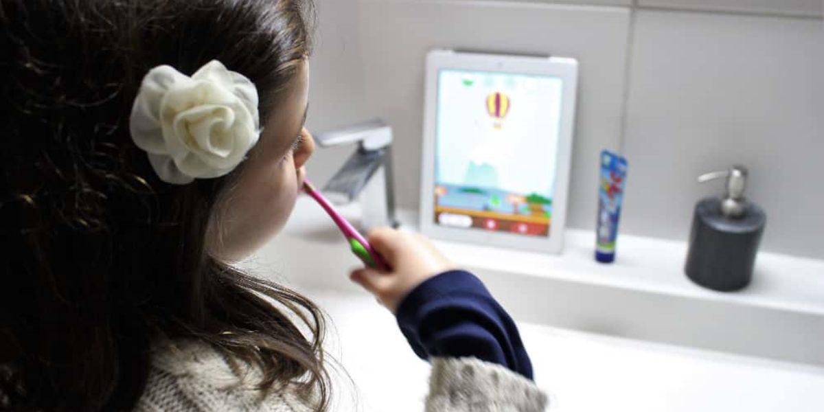Signal playbrush : brosse à dents connectée