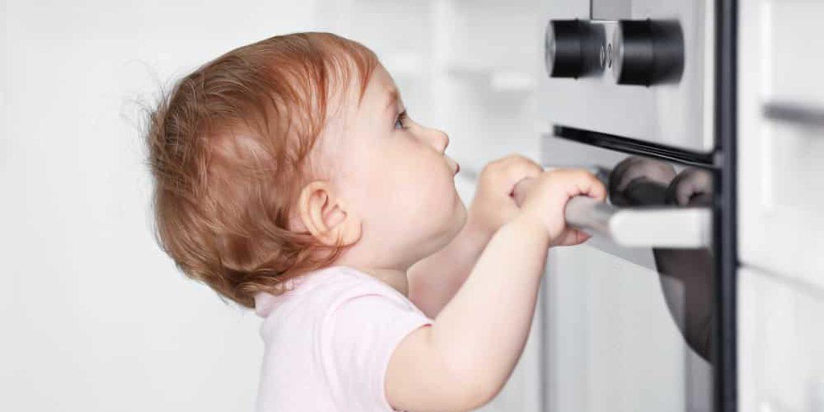 accidents domestriques : 21 trucs pour réduire les risques avec des enfants