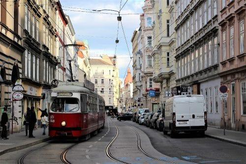 balade à Vienne avec des enfants en tramway