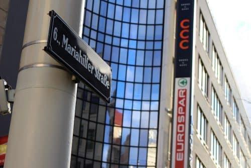 Rue commerçante de Mariahilferstrabe à Vienne en Autriche