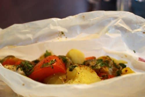 papillotes de poulet aux légumes et épices brésiliennes