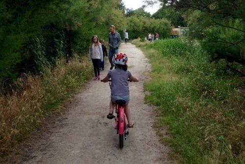 faire du vélo avec des enfants autour du bassin d'Arcachon