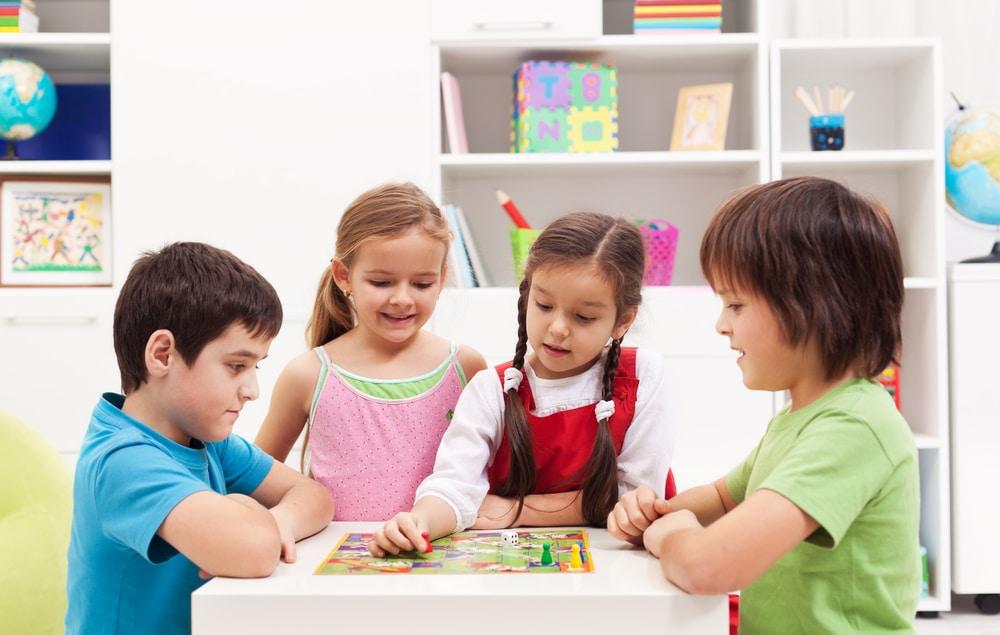 TOP 10 jeux de société enfant jusqu'à 10 ans
