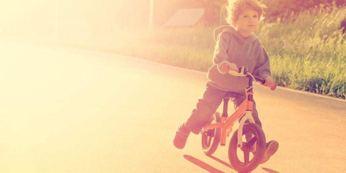 draisienne ou tricycle : que choisir pour un enfant ?