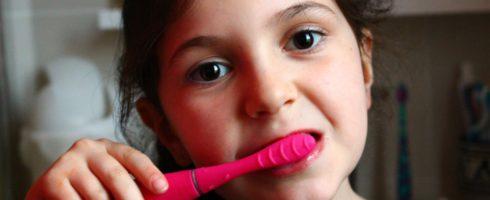 brosse-a-dents-electrique-silicone-sonique-issa-mini-2