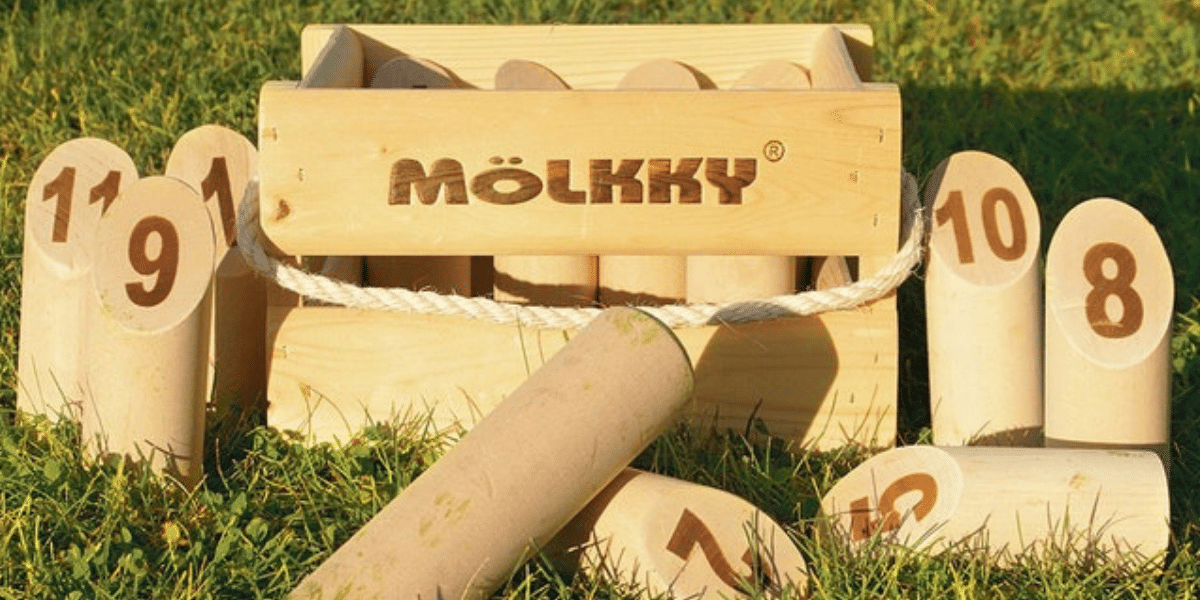 Jeu-de-plein-air-Mölkky