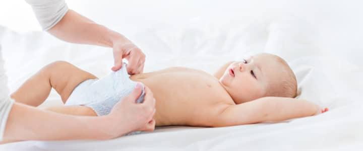 soigner-fesses-rouges-bebe-erytheme-fessier