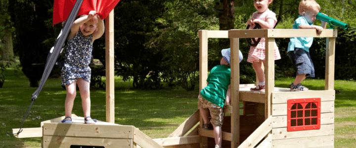 cabane-enfant-jardin