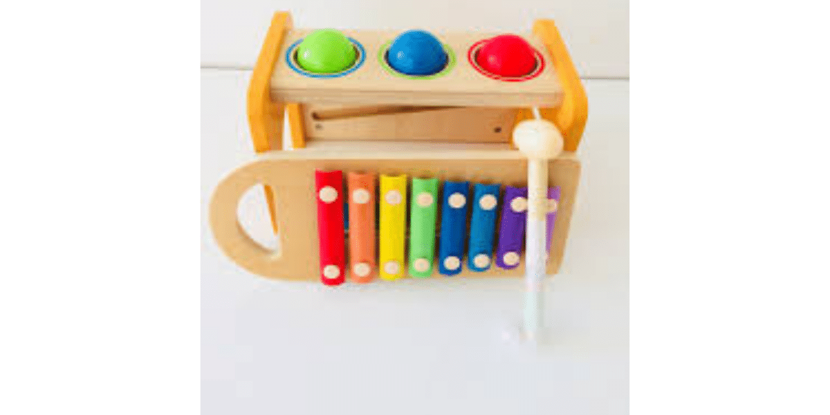 montessor-banc-a-marteler-avec-xylophone