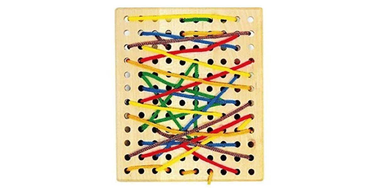 montessori-planche-a-trous