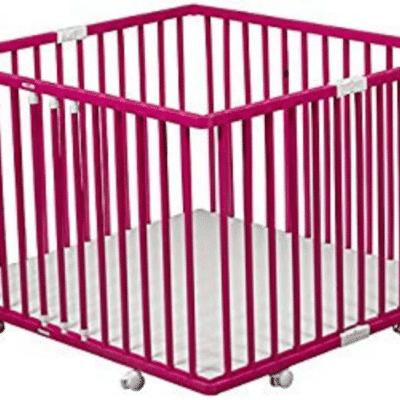 Parque infantil Combelle de madera rosa y plegable con ruedas