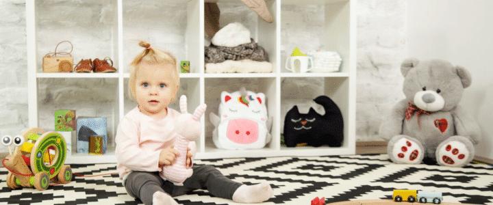 meuble de rangement dans une chambre enfant