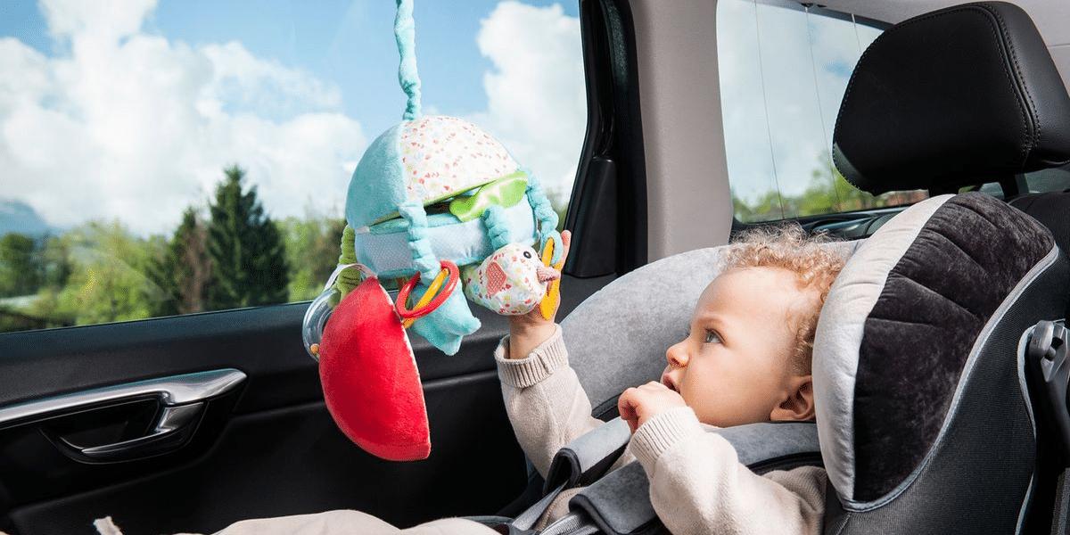 jouet-naissance-sophie-la-girafe