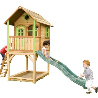 cabane en bois Sarah Axi sur pilotis avec bac à sable et toboggan