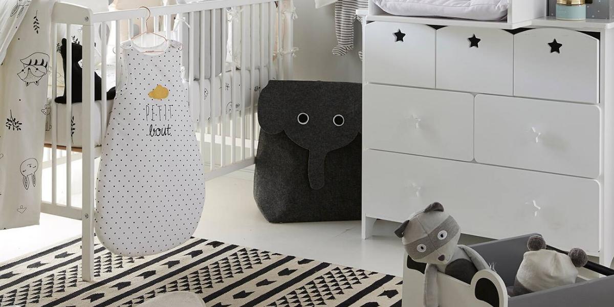 chambre enfant avec gigoteuse Vertbaudet bébé blanche