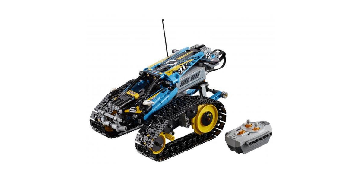voiture télécommandée avec la télécommande marque lego technic