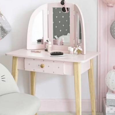 coiffeuse rose dans chambre enfant marque maisons du monde