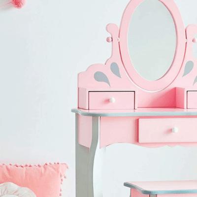 coiffeuse enfant rose dans chambre d'efnant marque Fantasy fields